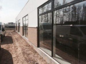 Vi udfører fugning af vinduer og døre, så du er sikret et godt stykke arbejde.